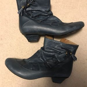 Shoes - Vintage booties